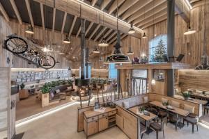 Außergewoehnliche Gastraeume in Tourismusmagazin PUR: Timmelsjoch Motorrad-Restaurant