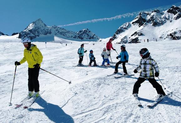 Heimischer Skinachwuchs Skilehrer PUR Tourismusmagazin